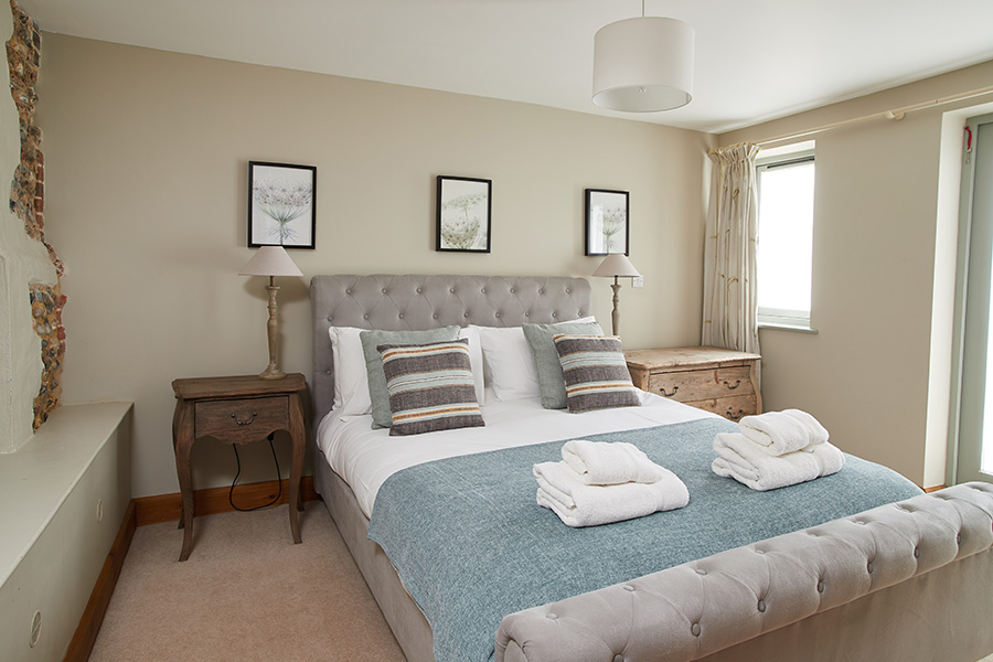The Strawhouse at Manor Mews Norfolk Holiday Cottages - Luxury self-catering Norfolk cottage holidays