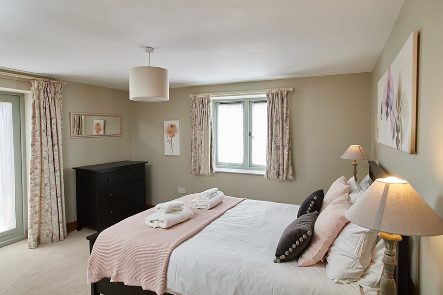 The Henhouse at Manor Mews Norfolk Holiday Cottages - Luxury self-catering Norfolk cottage holidays